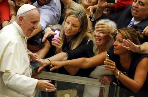 """El Papa dice que los divorciados """"forman parte de la Iglesia"""""""