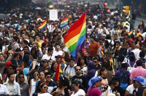 El Tribunal Supremo de México avala que las parejas homosexuales puedan adoptar un hijo