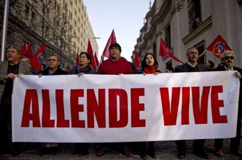 Chile homenajea a Allende en el aniversario del golpe del 11-S