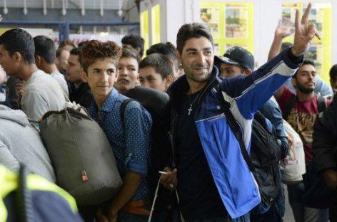 """""""Bienvenidos a Alemania"""": la emocionante recepción a miles de inmigrantes"""