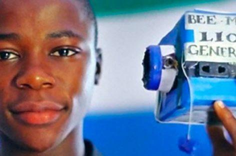 La historia del niño que creó su propio generador eléctrico para ayudar a todo un poblado