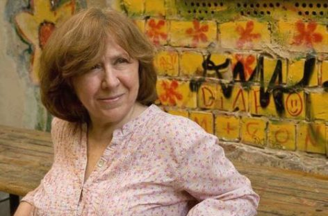 La escritora bielorrusa Svetlana Alexievich gana el Premio Nobel de Literatura 2015