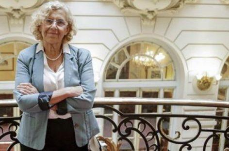 La alcaldesa de Madrid quiere que los universitarios ayuden a barrer la ciudad