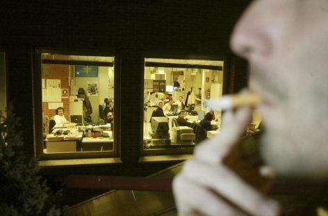 En España desciende notablemente el número de fumadores