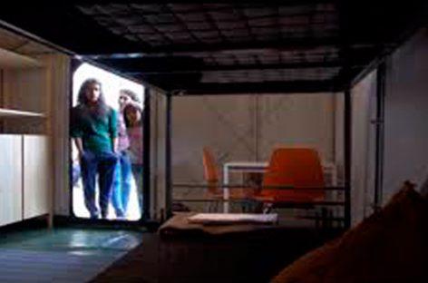 El primer campamento con mobiliario de Ikea como solución al asilo de los refugiados