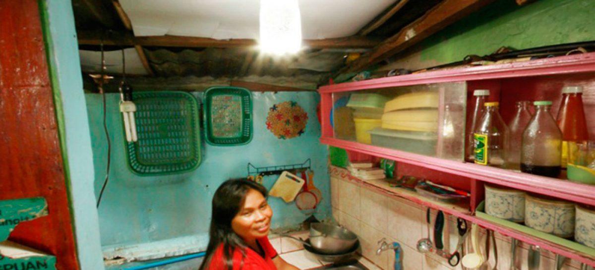 Botellas solares para iluminar un millón de hogares