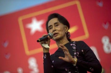Suu Kyi aventaja a los oficialistas en Birmania