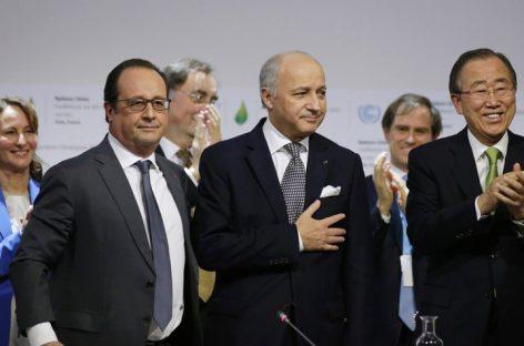La Cumbre de del clima en París cierra un acuerdo histórico contra el cambio climático