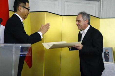 El chef Ferran Adrià es galardonado con la Orden del Sol Naciente