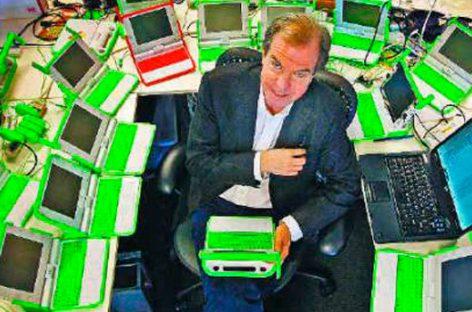 Nicholas Negroponte, el loco visionario que adelantó hace 30 años el futuro digital