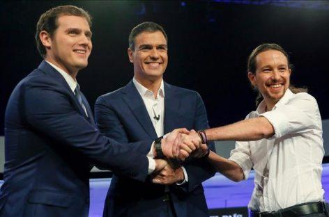 Intelectuales y políticos españoles han firmado un manifiesto en el que reclaman otro gobierno a PSOE, Podemos y Ciudadanos