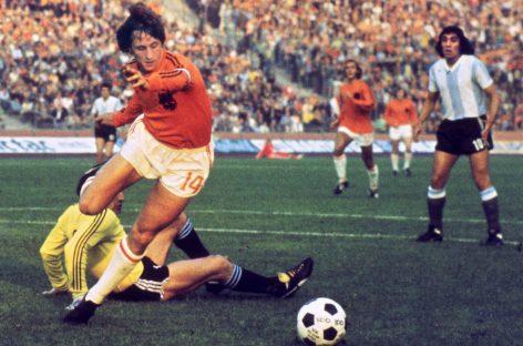El fútbol rinde tributo a Johan Cruyff