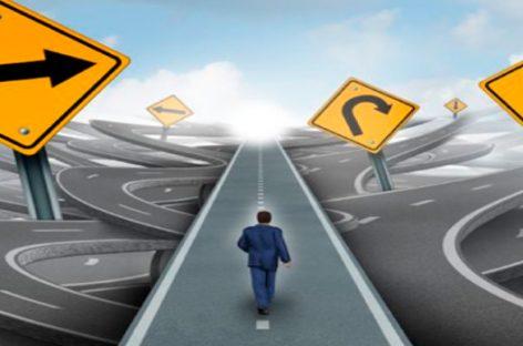 Cómo vencer el miedo a decidir según el psicólogo Giorgio Nardone