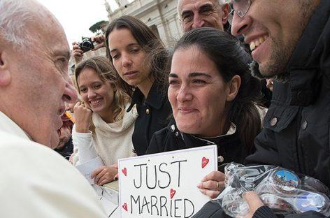 El Papa abre la Iglesia a los divorciados