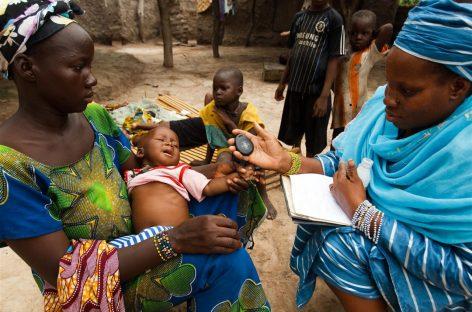 Unicef diseña un nuevo dispositivo para salvar a los niños de la neumonía