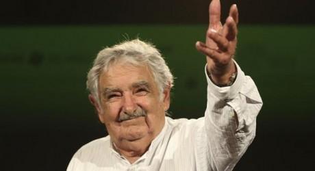 """José Mújica elogia a Jorge Mario Bergoglio """"El papa Francisco es un tipo bárbaro"""""""
