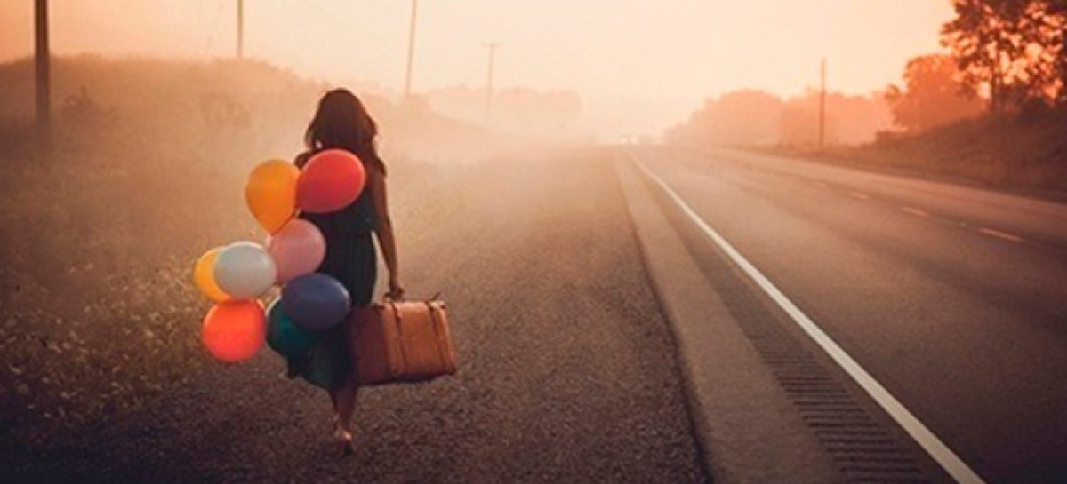 """""""Viajar ligero"""": la importancia de la felicidad"""