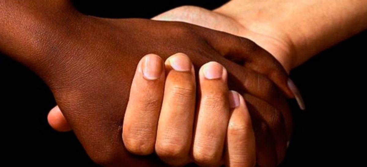 EE.UU y el sueño de reconciliar blancos y negros