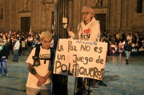 Los indignados colombianos piden la paz