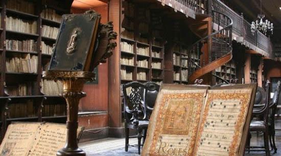 biblioteca peru