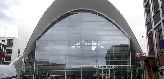 Tromsø bibliotek i det gamle bygget til Fokus Kino.