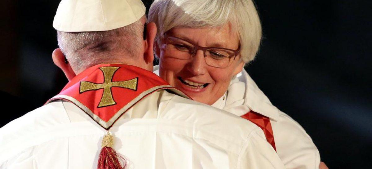 """El papa Francisco pidió a los luteranos y a los católicos a """"reconocer el error y pedir perdón"""""""