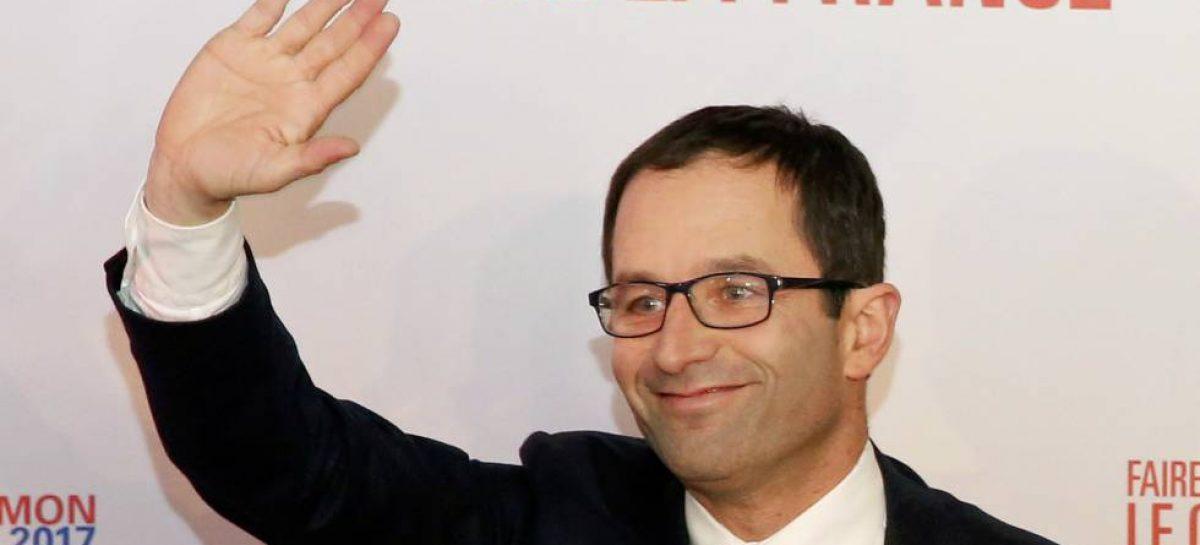 Un candidato francés pide un impuesto a los robots
