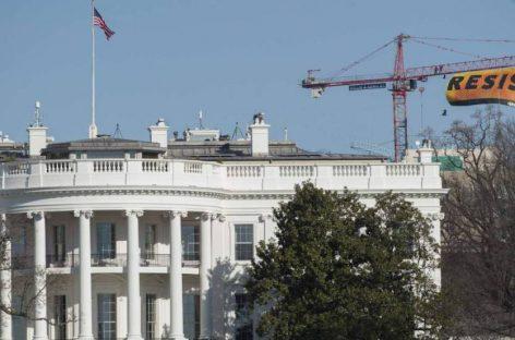 Resistir, el mensaje de Greenpace en la Casa Blanca