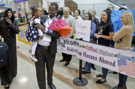 Un juez federal de Hawái suspende temporalmente el nuevo veto migratorio de Donald Trump