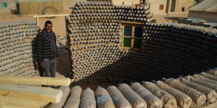 Un joven ingeniero del desierto revoluciona la construcción en el Sahara