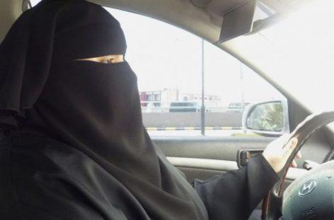 Arabia Saudita permitirá a las mujeres conducir