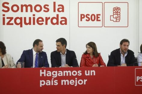 """En España, el PSOE acepta convocar elecciones en """"unos meses"""" para echar a Rajoy"""