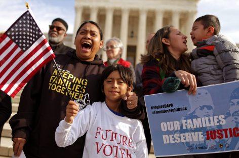 Trump rectifica para evitar la separación de familias migrantes