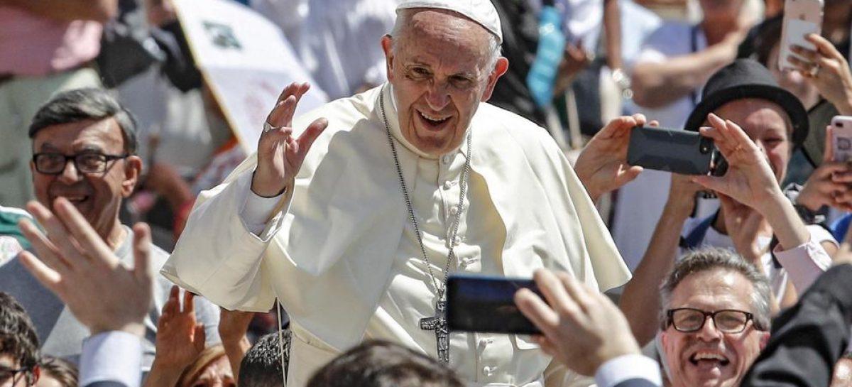 """Refugiados: el Papa afirma que """"la única respuesta sensata es la solidaridad y la misericordia"""""""