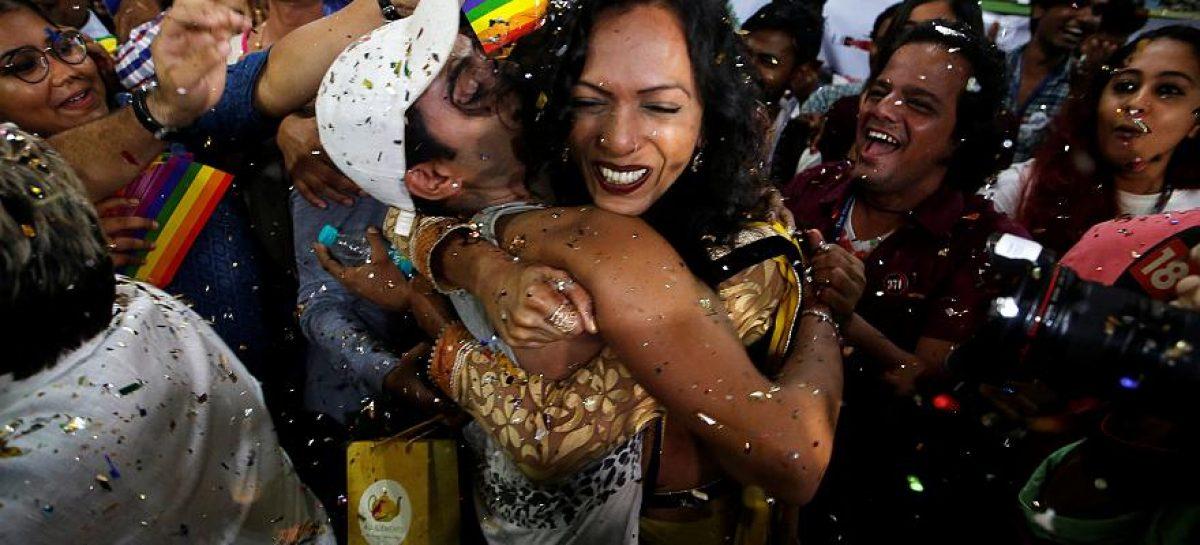India despenaliza las relaciones homosexuales