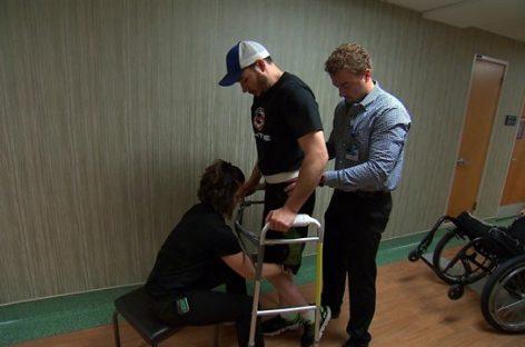 Un parapléjico vuelve a caminar gracias a la estimulación eléctrica