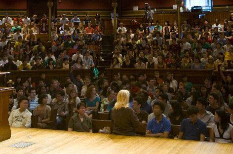 Michael J. Sandel, el filósofo que lleva el debate a la calle