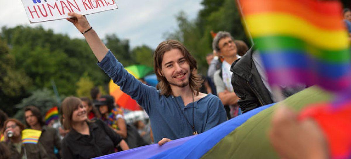 Rumania invalida la consulta para vetar los matrimonios del mismo sexo
