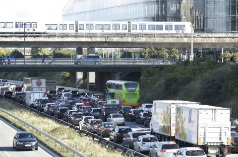 La Unión Europea pacta reducir en un 35% las emisiones contaminantes de coches para 2030