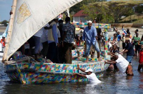 El barco que inspira una revolución ecológica con los desechos plásticos