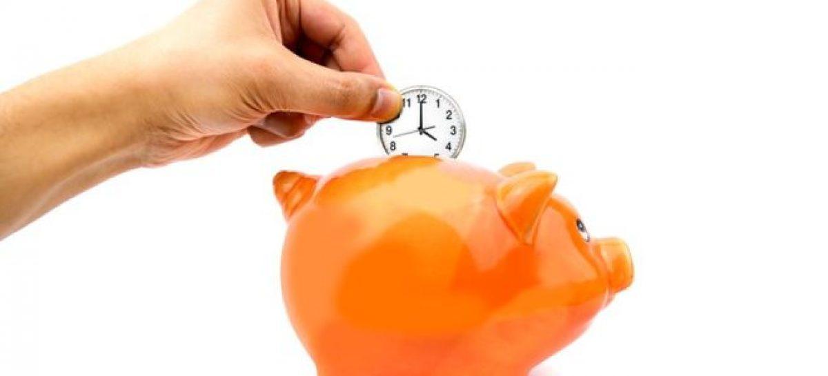 El banco del tiempo: hay miles de personas que dan y reciben tiempo, como miembros de este tipo de banca