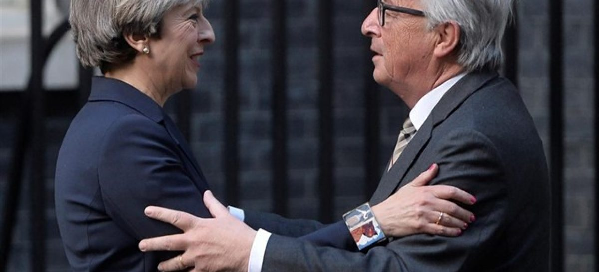 May y Juncker acuerdan reunirse para intentar desbloquear el Brexit