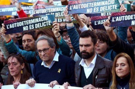 """Un """"muro humano"""" en Barcelona contra el juicio al 'procés'"""