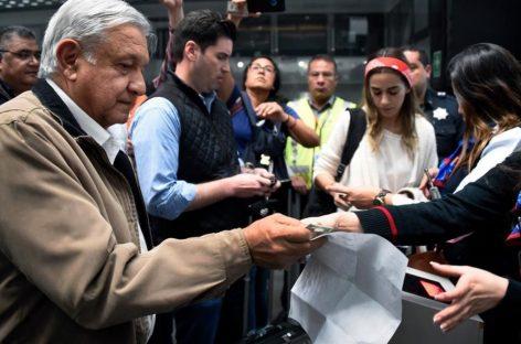 """López Obrador desconcierta a la oposición por su """"normalidad"""""""