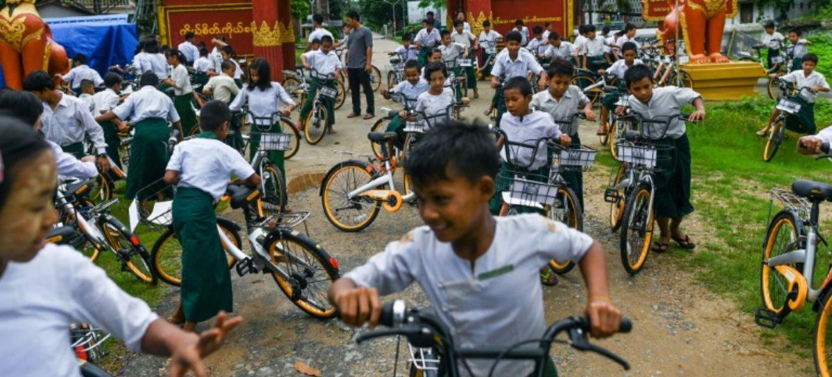 10.000 bicicletas recicladas para que los niños de las zonas rurales de Birmania puedan ir a la escuela