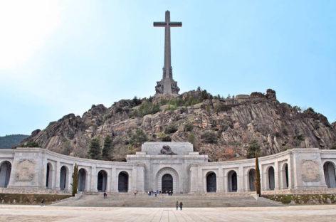 La justicia española aprueba sacar los restos de Francisco Franco del Valle de los Caídos