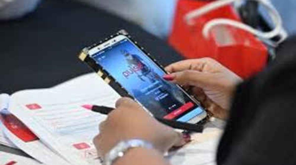 El uso de los móviles permite una atención médica accesible para todos