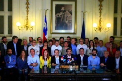 La clase política chilena logró un acuerdo histórico para cambiar la Constitución