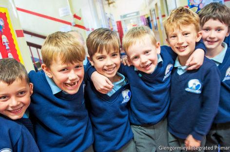 Escuelas inclusivas que unen a comunidades religiosas divididas
