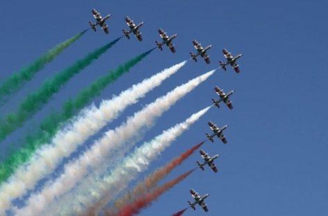 La fuerza área italiana dándole ánimos a Italia